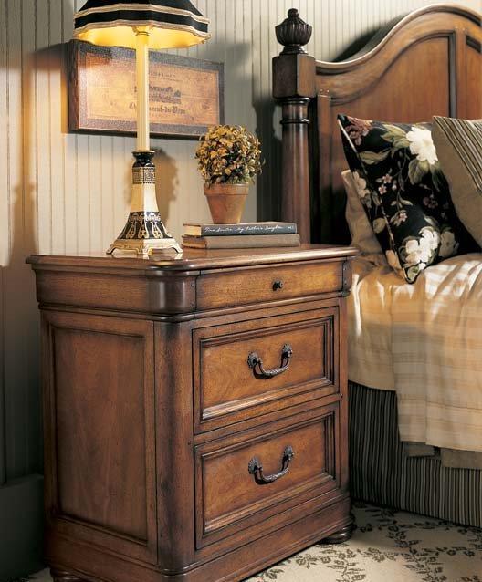 FFDM美国精制家具葡萄酒庄园式床头柜320-100320-100