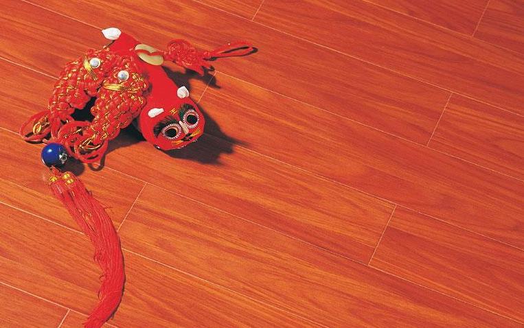 标王强化复合地板运动模压系列B2030-南非红柚
